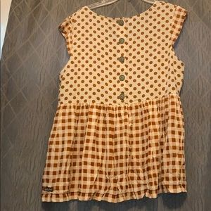 Mixed pattern top